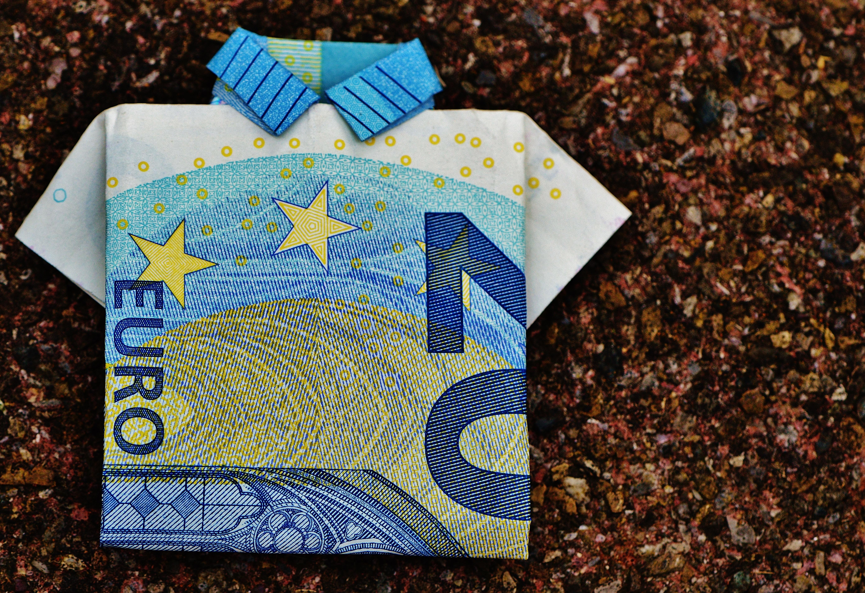 the-last-shirt-dollar-bill-20-euro-folded-128878.jpeg
