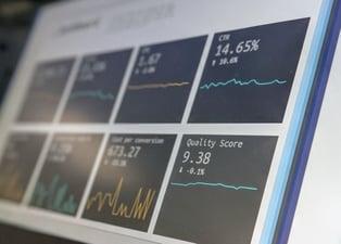 Vanity vs actionable metrics : évaluez l'efficacité de vos KPI